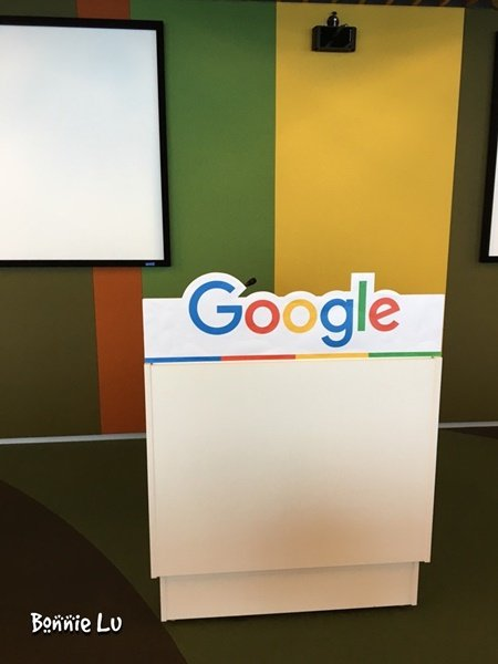 googleGoogle cafe_4994-032