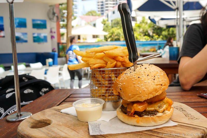 longboards,衝浪者天堂,漢堡,黃金海岸美食,goldcoast,surfing-paradise-food,hamburger