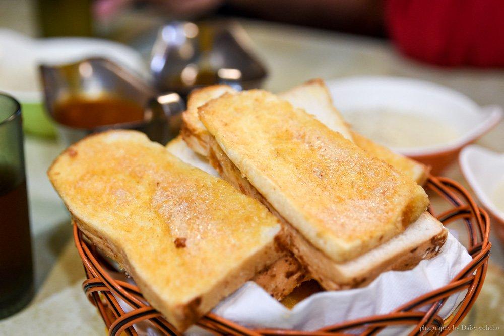 厚切牛排, 板橋, 亞東醫院, 板橋美食, 排隊店, 板橋厚切牛排, 吃到飽, 大蒜麵包