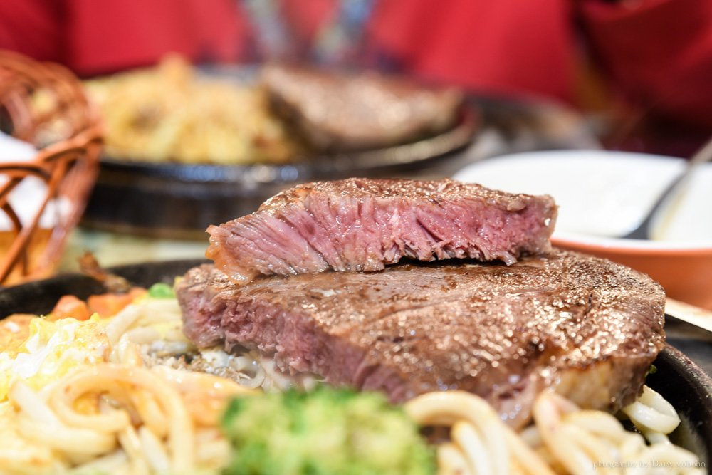 厚切牛排, 板橋, 亞東醫院, 板橋美食, 排隊店, 板橋厚切牛排, 吃到飽, 台北美食