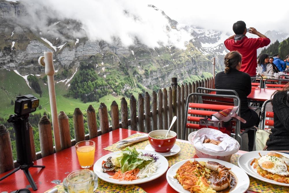 懸崖餐廳, 瑞士自助, 世紀最美餐廳, 瑞士自由行, 瑞士美食, 洞穴教堂, ebenalp, Appenzell, 阿彭策健行, Berggasthaus Aescher, 香腸薯餅, 荷包蛋薯餅