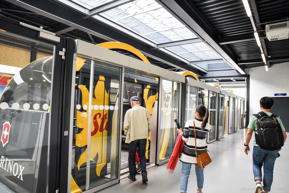 Stoos登山纜車, Stoos Bahn, 世界最斜纜車, 世界最陡纜車, 瑞士纜車, 瑞士自助, 瑞士自由行, Schwyz, Stoos 交通, Swiss Pass, 瑞士火車通行證, Swiss Travel Pass, 半價卡, 瑞士免費纜車