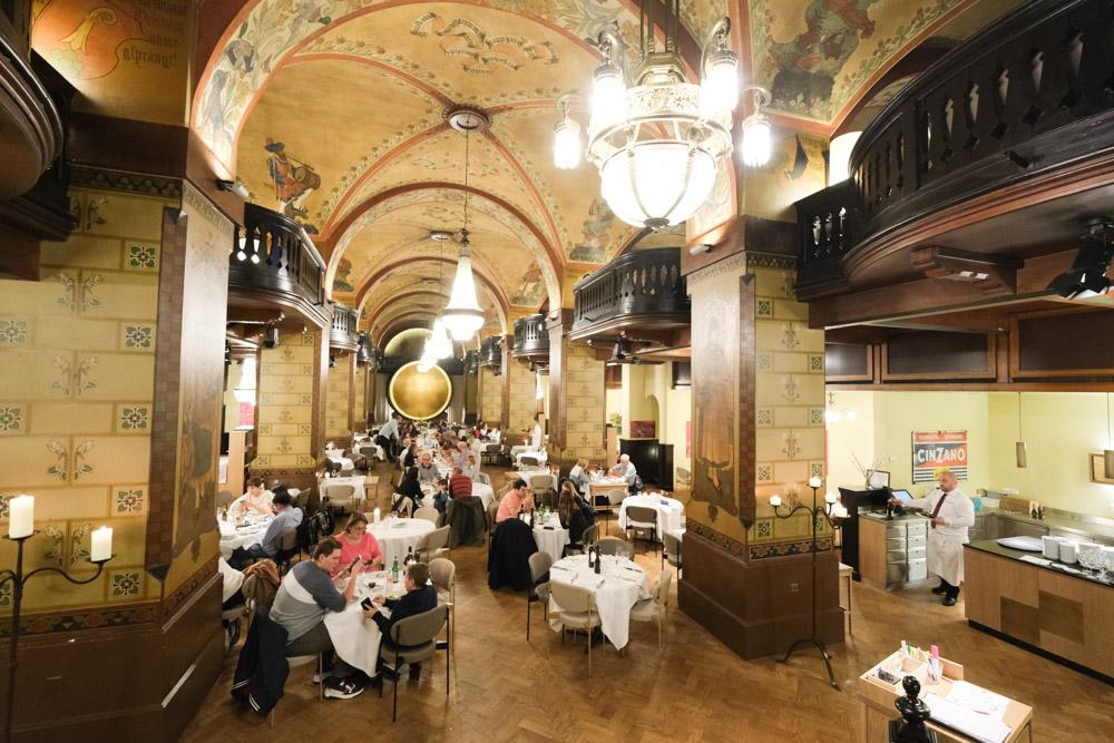 Kornhauskeller菜單, 伯恩地窖餐廳, 伯恩美食, 瑞士美食, 伯恩盤, 瑞士傳統料理