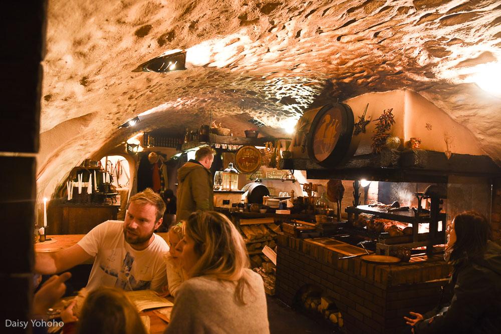 Krčma v Šatlavské ulici, 庫倫洛夫美食, CK小鎮地窖餐廳, CK小鎮餐廳, 捷克地窖餐廳