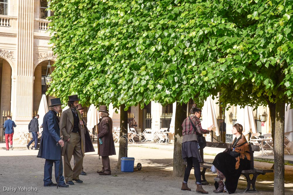 Daniel Buren柱, 黑白柱, 皇家宫殿, 現代柱子作品, 兩個平台, Les Deux Plateaux, 巴黎景點, 巴黎網美景點