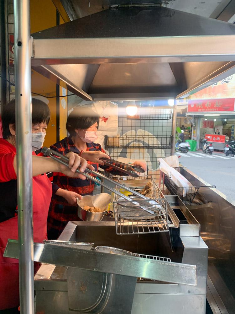 江媽媽現炸雞排, 台林街美食, 鹹酥雞, 嘉義美食, 嘉義炸雞排, 雞屁股, 甜不辣