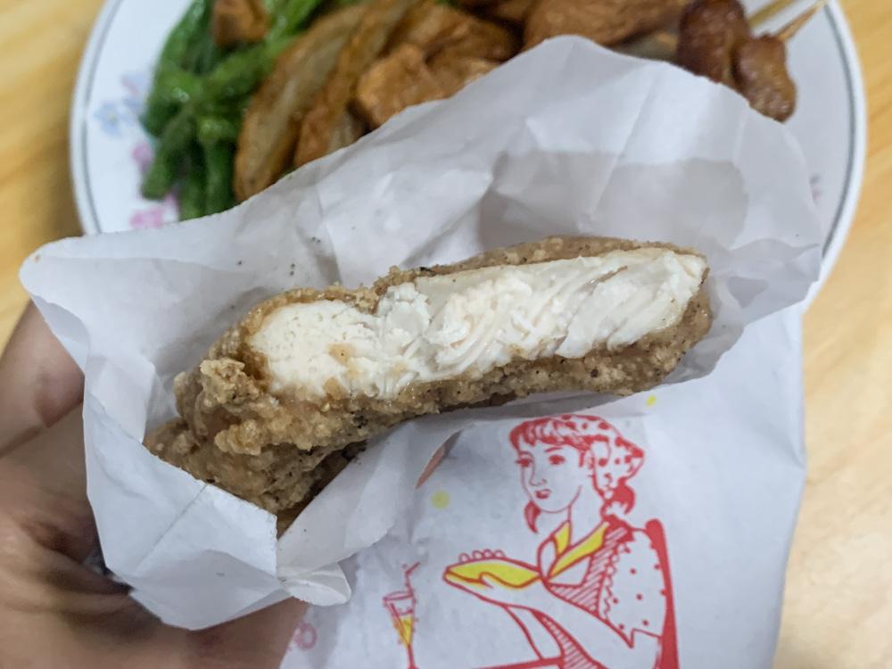 江媽媽雞排, 台林街美食, 鹹酥雞, 嘉義美食, 嘉義炸雞排, 雞屁股, 甜不辣