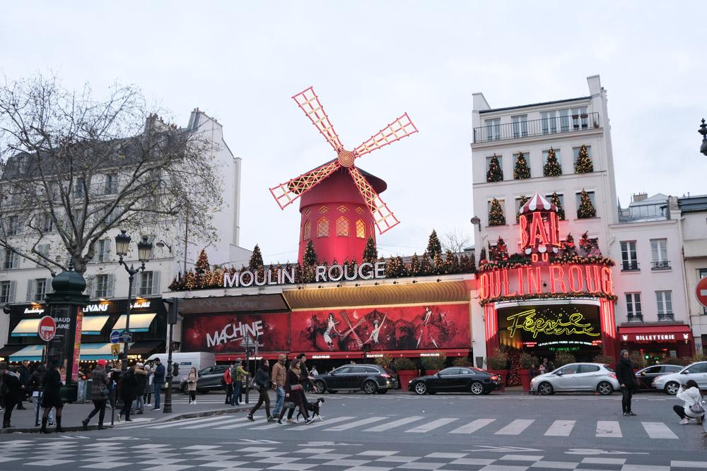 Montmartre, 康康舞, 艾蜜莉的異想世界, 蒙馬特高地, 紅磨坊, 穿牆人, 聖心堂, 巴黎景點, 我愛你牆, 愛牆, 蒙馬特