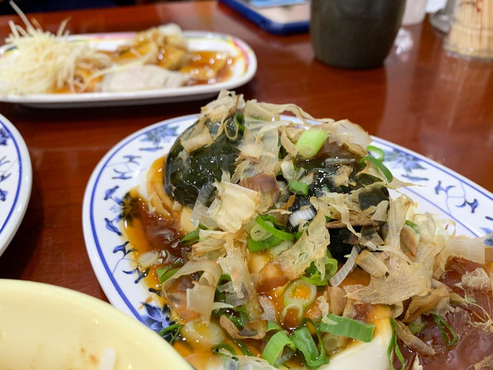 三元號滷肉飯, 三元號菜單, 圓環滷肉飯, 魚翅肉羹, 寧夏夜市, 蒜泥白肉