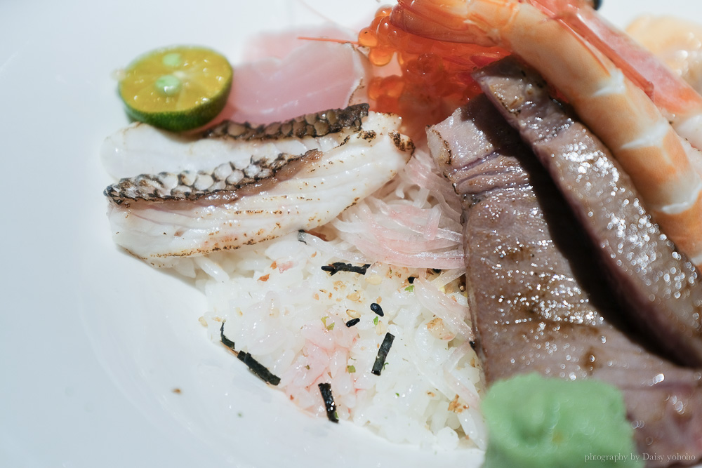 稻荷壽司, 盛合生魚片, 微炙盛合生魚片, 嘉義日本料理, 嘉義海鮮丼飯, 揚出豆腐, 陶阪霜降牛小排, 中山路美食
