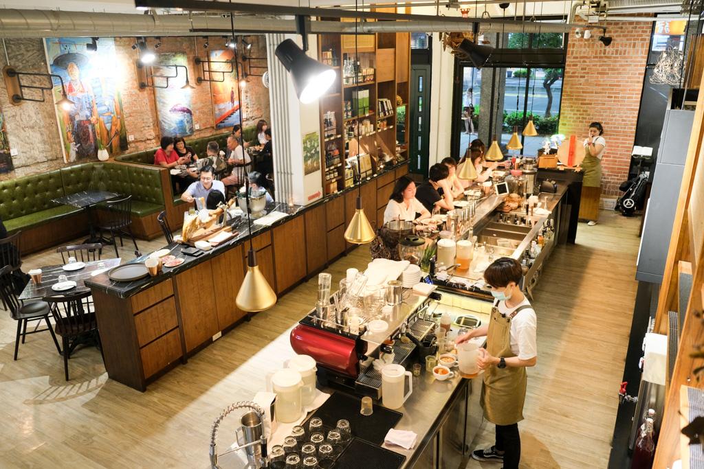 挑食, 高雄餐酒館, 季節性菜單, 挑食菜單, 前金美食, 挑食訂位, 高雄義大利麵, 墨魚燉飯