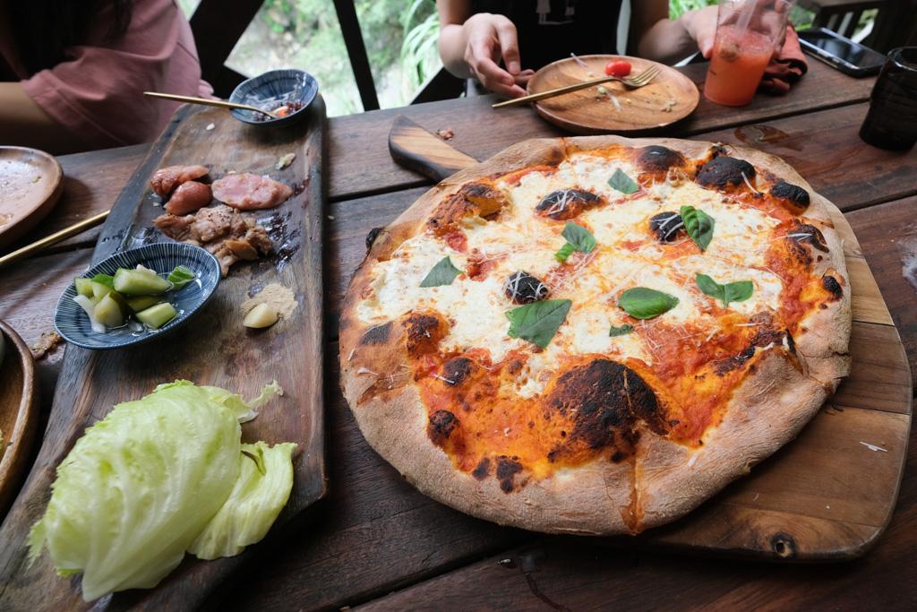 hana 廚房, hana部落廚房, 來吉美食, 來吉部落, 阿里山美食, hana 廚房麵包, 來吉披薩, 阿里山咖啡