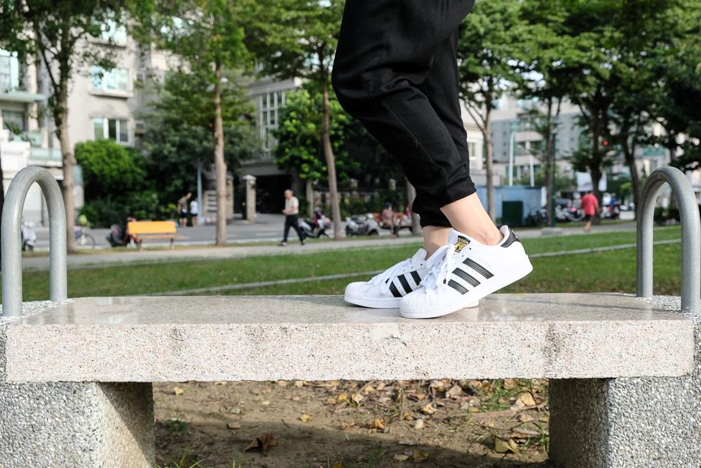 愛迪達貝殼鞋, 金標貝殼鞋, Adidas, 愛迪達Superstar, 愛迪達經典休閒鞋, 貝殼鞋穿搭