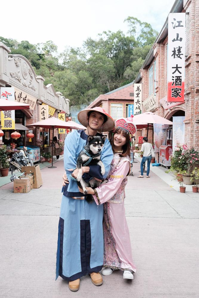 白河萬里長城可以換穿中國服裝拍照,寵物毛小孩也可入內。