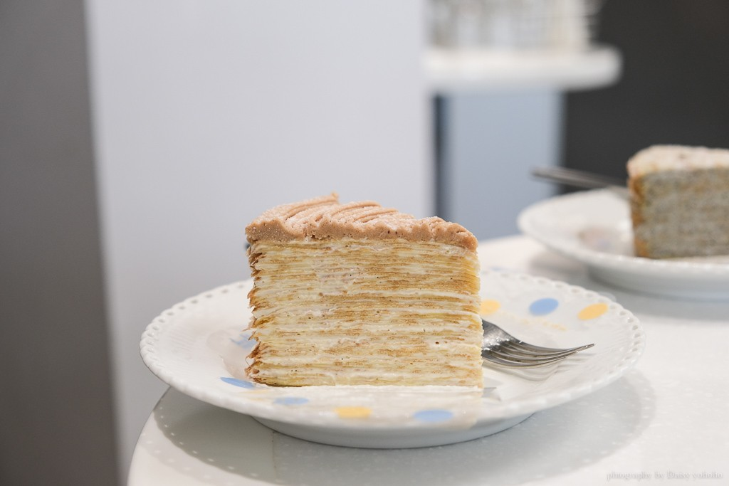 深藍咖啡館府連本店, 深藍咖啡館千層蛋糕價格, 深藍咖啡館訂位, 深藍咖啡館本店, 千層蛋糕界的LV, 台南千層蛋糕, deepblue, 深藍千層推薦