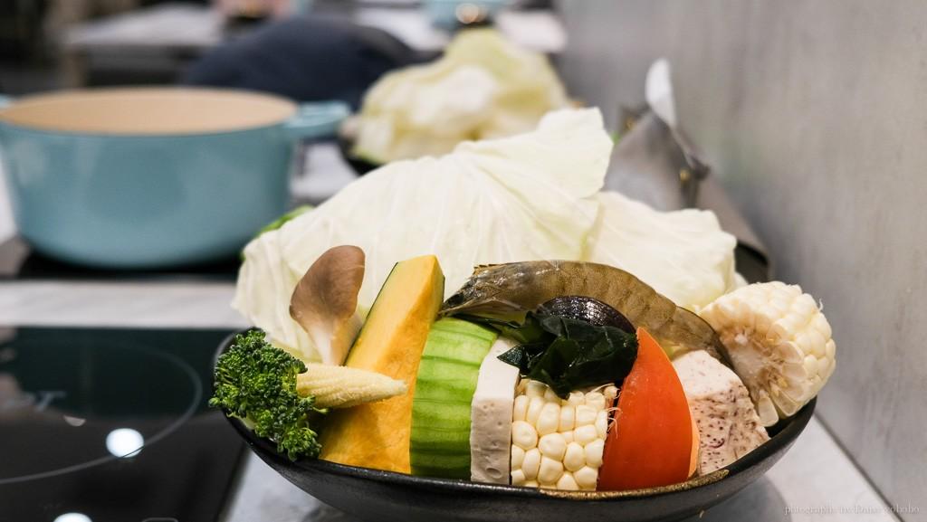 默鍋物, 嘉義火鍋, 嘉義美食, 剝皮辣椒雞湯鍋, 嘉義雞湯鍋, 吳鳳北路美食
