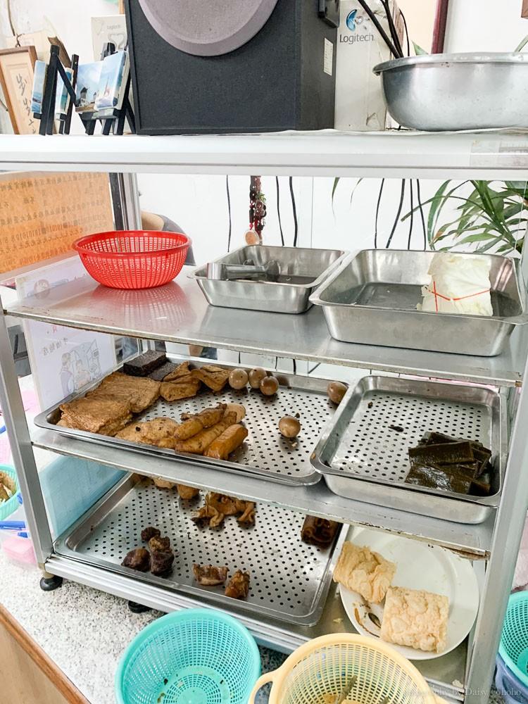 牛伯麵店肉燥飯, 成大美食, 育樂街美食, 台南東區美食, 台南麵店, 成大麵店, 成大麻醬麵