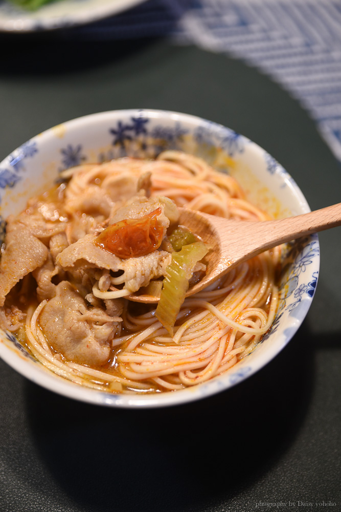 懶得煮的Tom老闆, 麻辣牛腱, 即煮包, 料理包, 南洋叻沙咖哩雞, 泰式冬陰功梅花豬即煮包