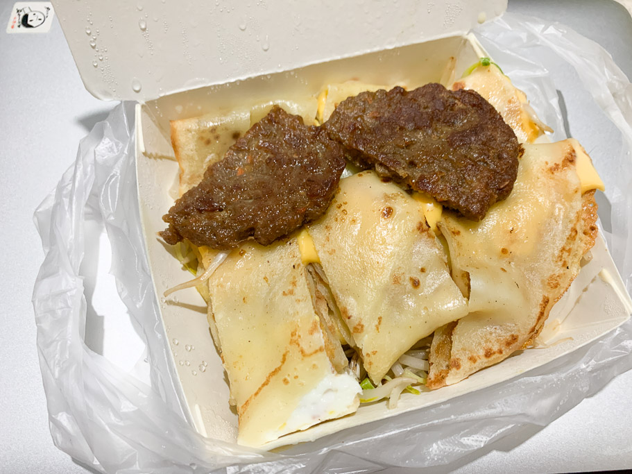 鹿港施 50 年蛋餅早餐店,不在鹿港,而是在嘉義西區的小巷弄中。