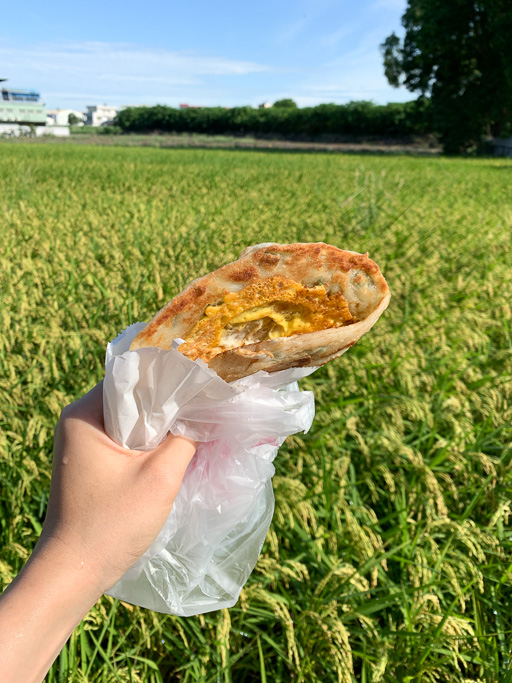 啞煎蔥油餅,無聲揉出的厚實軟 Q 蔥油餅、韭菜盒, 小時候吃到大的回憶