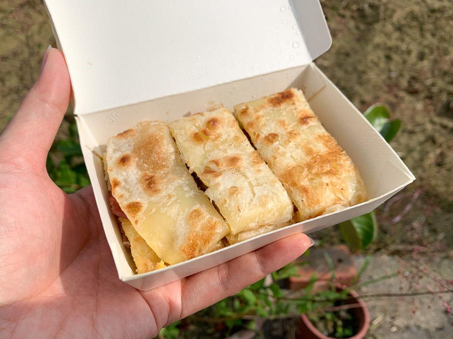 卡古早午餐,嘉義華商旁早餐店,大推卡古手作豬排!酥皮蛋餅也好吃~
