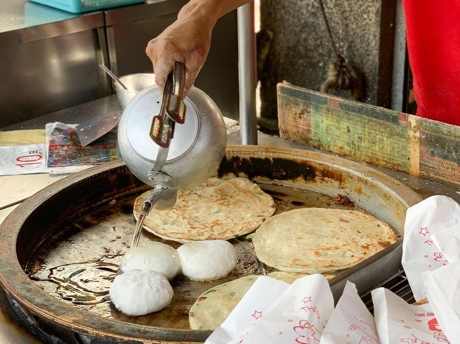瀟湘園餡餅 / 蔥油餅,從民國路到和平路,早餐下午都有賣的眷村口味點心