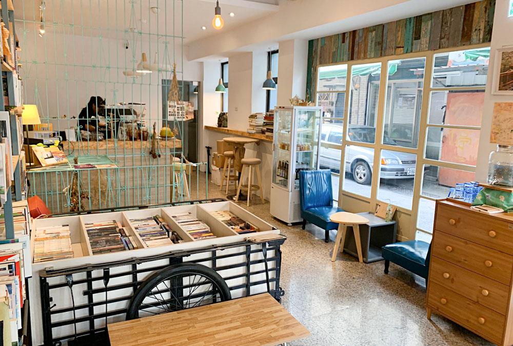 書旅拾光 bOboOks,嘉義中正路,青旅中的下午茶店,老房子咖啡館