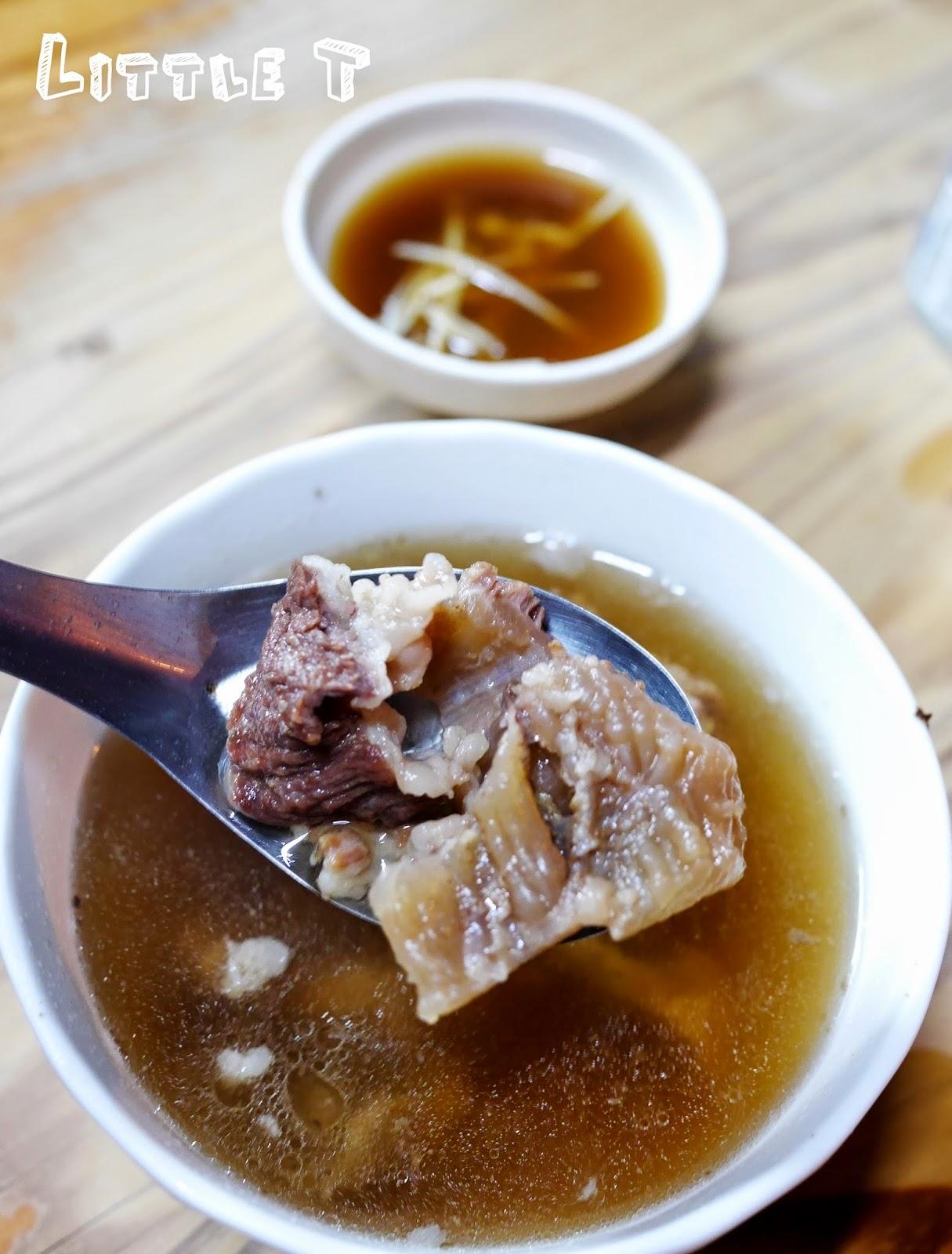六千牛肉湯,台南凌晨四點半排隊才吃的到! 超人氣牛肉湯,超鮮甜啊!