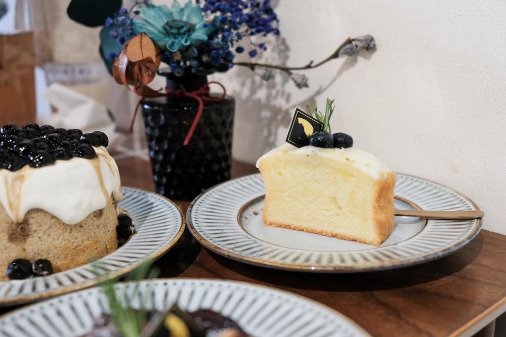 肥貓咖啡,貓咪出沒!隱身台南神農街的文青咖啡館,招牌珍珠奶茶戚風蛋糕!