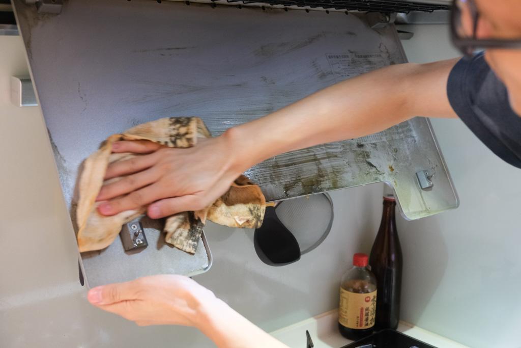 吸油煙機清潔劑, 抽油煙機清潔, 抽油煙機濾網清洗, 天然清潔劑, 淨毒五郎去油污廚房清潔慕斯, 油污清潔方法